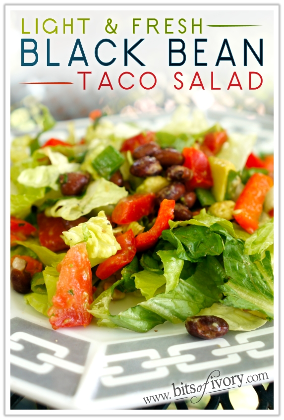 Light and Fresh Black Bean Taco Salad with cilantro and lime | www.bitsofivory.com