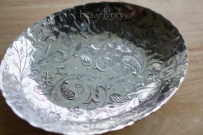 Oval dish by Wendell August with Tracery pattern