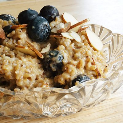 Blueberry Almond Oatmeal That Will Make You Smile