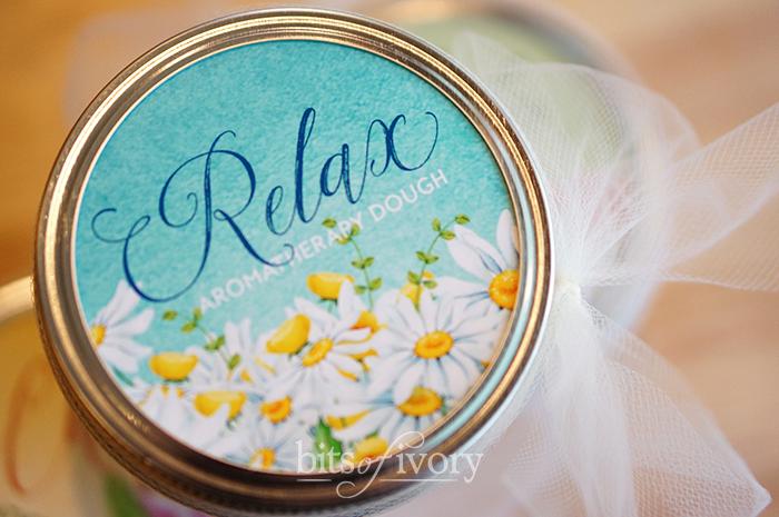 Aromatherapy dough Relax jar lid
