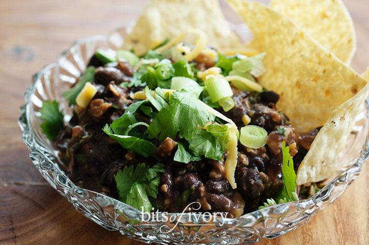 Fresh black bean dip recipe from www.bitsofivory.com